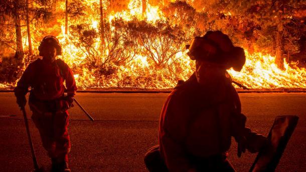 Mehr als 20.000 Menschen fliehen vor Bränden in Kalifornien
