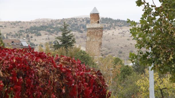 Turska: Munara džamije Harput Ulu u Elazigu nakrivljenija od krivog tornja u Pisi