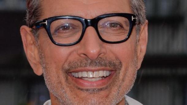 Riesige Statue von Schauspieler Jeff Goldblum zieht Fans in London an