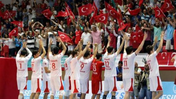 【2017サムスン・デフリンピック】 バレーボール 男子はトルコ、女子は日本が金 共に3対0で相手を制す | TRT  日本語