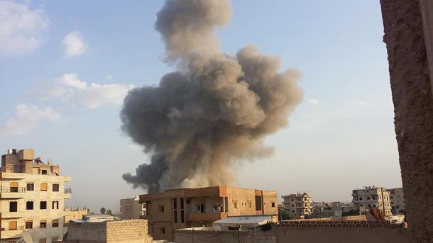 Koalicioni ndërkombëtar vret 16 civilë në Deyrizor të Sirisë | TRT  Shqip