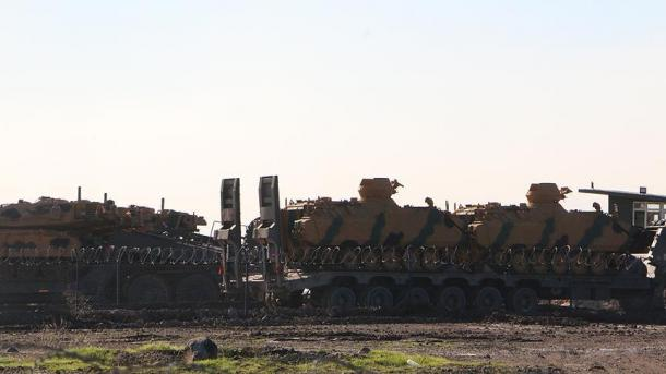Vazhdon dislokimi i njësive ushtarake turke në kufirin me Sirinë | TRT  Shqip