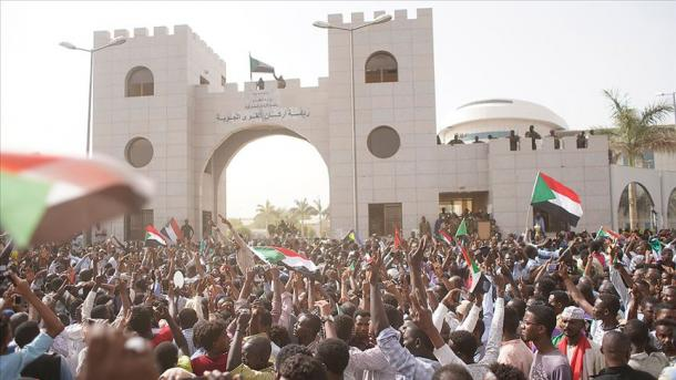 Sudan – Këshilli Suprem Ushtarak merr kontrollin e pushtetit | TRT  Shqip