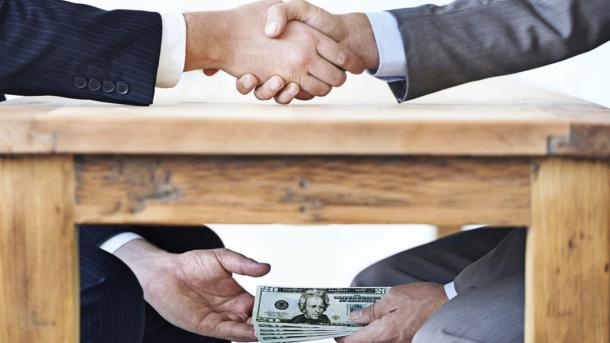 Españoles preocupados por corrupción: expertos