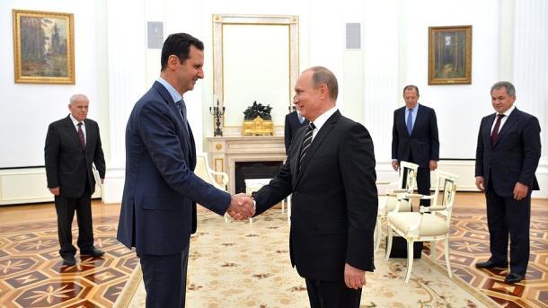 Putin y Assad discuten el futuro diálogo político en Siria