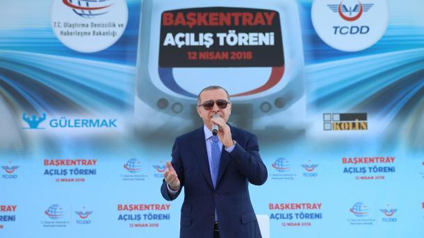 Erdogan: 80 pjesëtarë të FETO-s janë kapur dhe sjellë në Turqi | TRT  Shqip