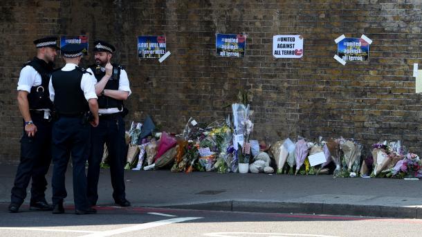Anschlag auf Londoner Moschee Polizei nennt Namen des Terroristen