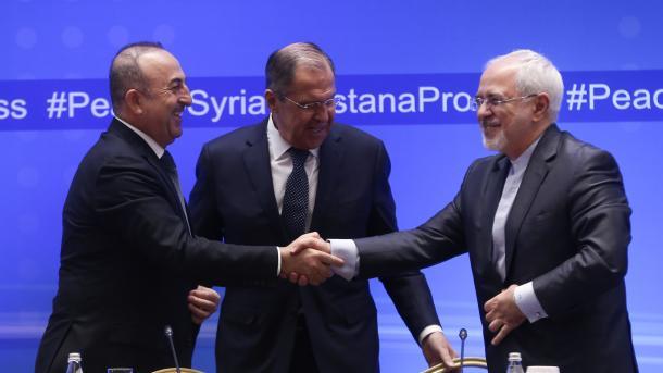 Rusia, Irán y Turquía buscan evitar división de Siria, dice Lavrov