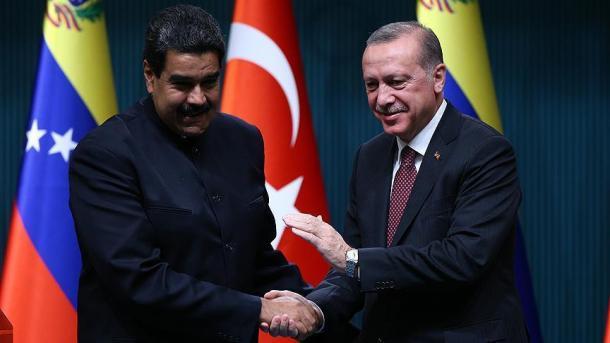 Erdogan logra reelección en Turquía sin necesidad de segunda vuelta
