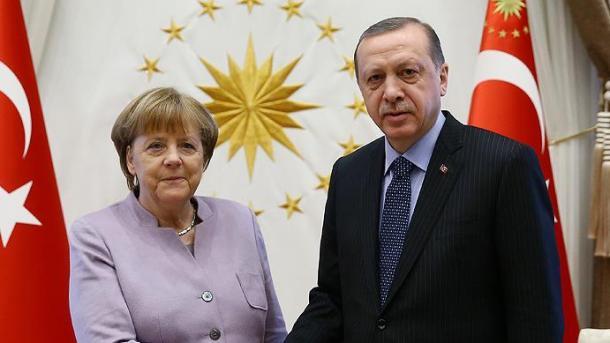 Путин разъяснил Меркель, почему удар поСирии— нарушение интернационального права