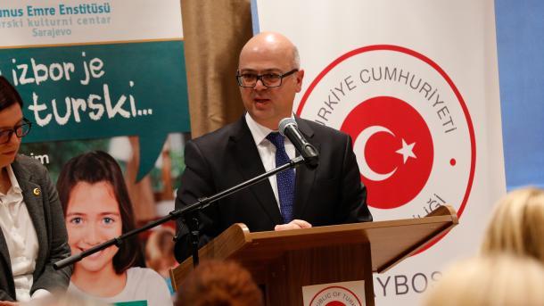 Sarajevo: Školama u kojima se izučava turski jezik poklonjena oprema vrijedna milion dolara