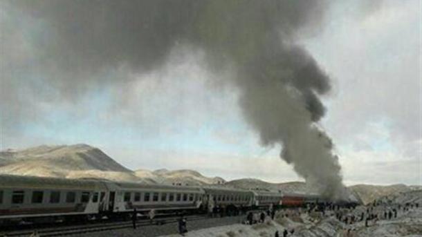 Число погибших при столкновении поездов вИране превысило 30 человек