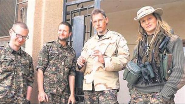 Koment - Rreziku që kanos Perëndimin: Luftëtarët e huajt terroristë të PYD/YPG-së | TRT  Shqip