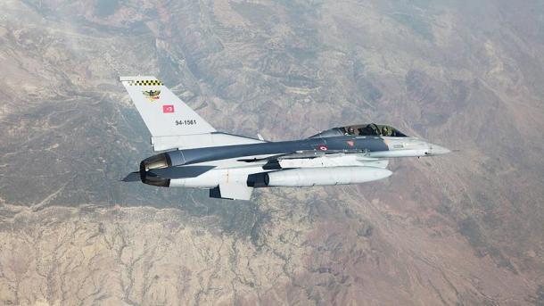Operacion blic në veri të Irakut, ushtria turke shkatërron mbi 30 objektiva terroriste | TRT  Shqip