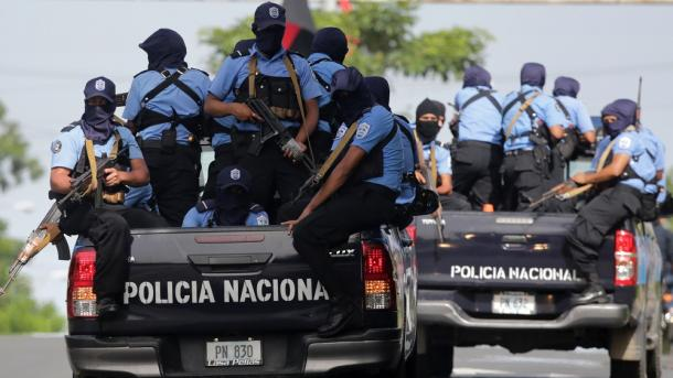 Policías y paramilitares atacan la ciudad rebelde de Masaya — Nicaragua