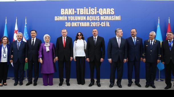 Erdogan në Baku: Dëshmuam stadin e avancuar të vëllazërisë dhe miqësisë Turqi-Azerbajxhan | TRT  Shqip