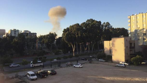 2 morts, 16 blessés par l'explosion d'une voiture — Turquie