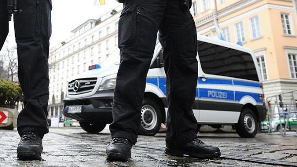 Un automobiliste fonce dans la foule et fait quatre blessés — Allemagne
