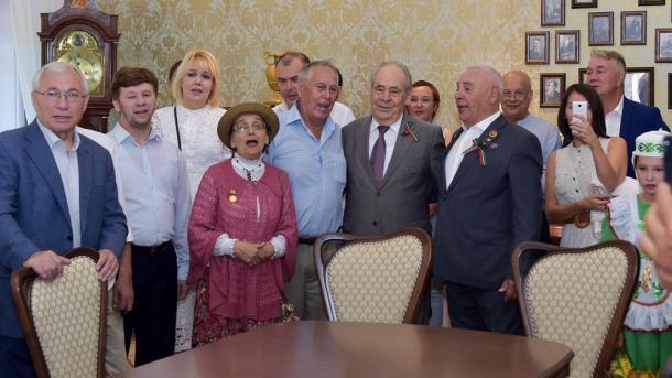 Antaliya tatarları Tatarstan könendä qatnaştı | TRT  Tatarça
