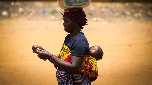Женщины лучше мужчин переживают голод иэпидемии