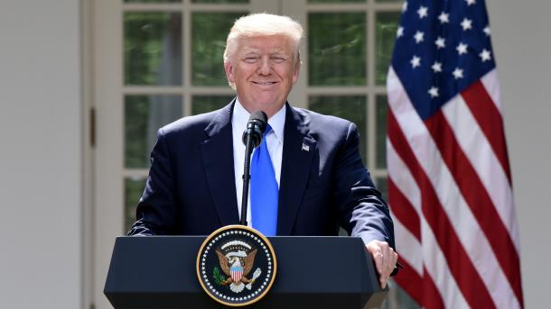 Trump shkarkon nga detyra sekretarin e përgjithshëm të Shtëpisë së Bardhë Reince Priebus | TRT  Shqip