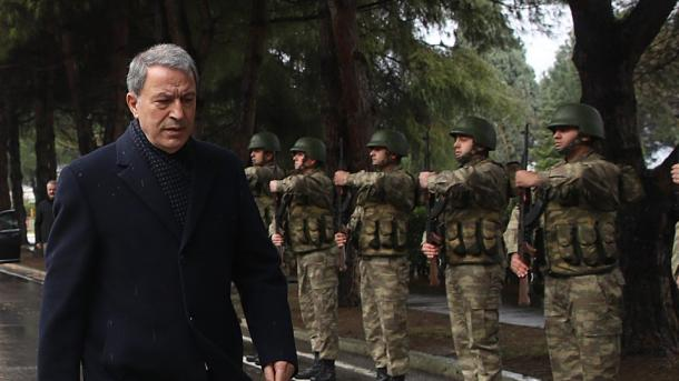 Ministri Akar u përgjigjet pretendimeve të John Bolton   TRT  Shqip