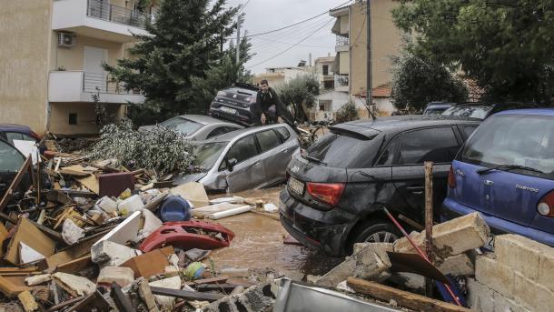 Inundaciones en Grecia dejan hasta ahora 15 muertos