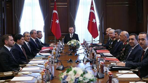 Komiteti Ekzekutiv i Industrisë së Mbrojtjes vlerëson projektet e sistemeve të reja vendore | TRT  Shqip