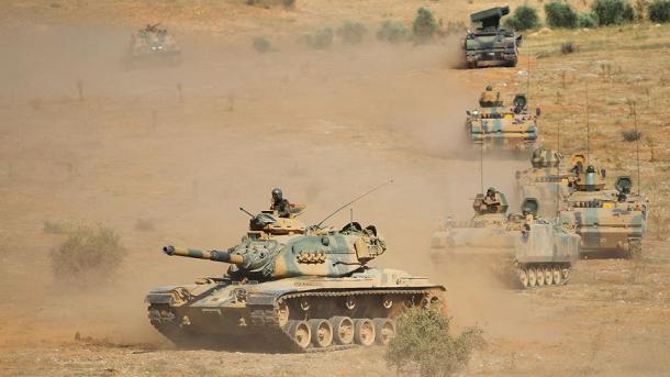 Ushtria turke filloi një stërvitje të madhe në kufirin me Irakun | TRT  Shqip