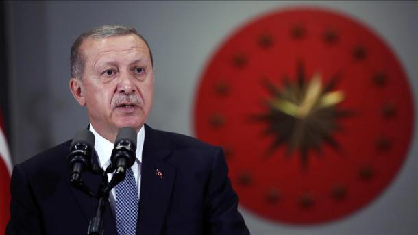 Erdogan: Turqia ecën përpara pa u bërë mashë e tradhtarëve | TRT  Shqip
