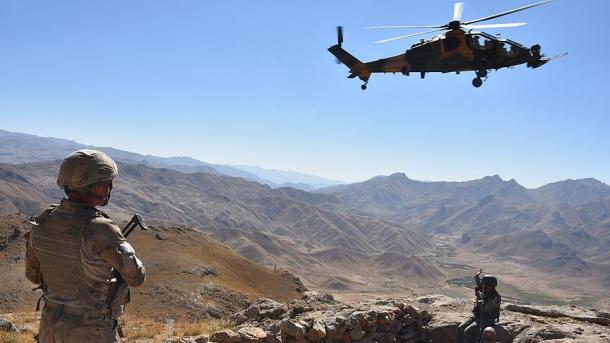 Ushtria turke neutralizoi 32 terroristë brenda dhe jashtë kufirit   TRT  Shqip