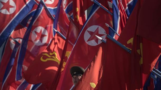 Inician Seúl y EU ejercicio con portaaviones en península de Corea