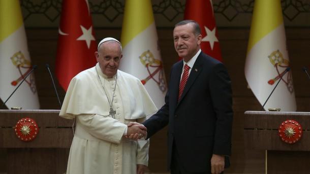 Erdogan bisedon në telefon me Papën për Jerusalemin | TRT  Shqip