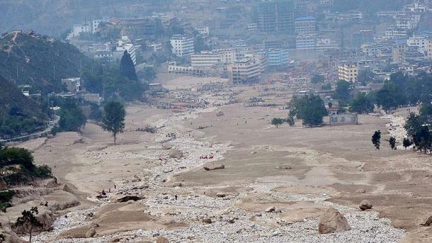 94 morts après des jours de pluies torrentielles — Inde et Népal