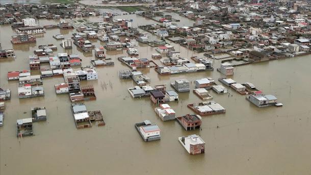 Përshkallëzohet bilanci i përmbytjeve në Iran | TRT  Shqip