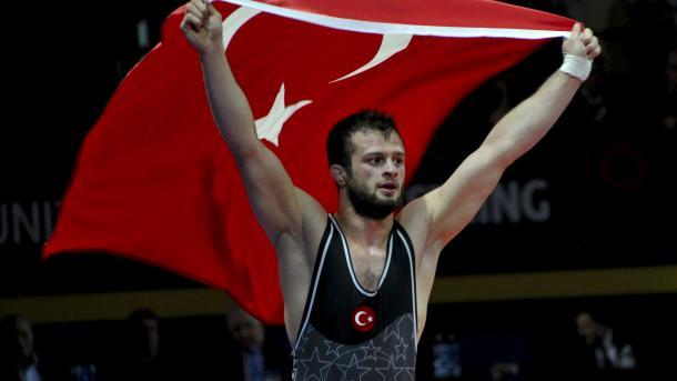 土耳其摔跤手在欧洲锦标赛中夺得铜牌 | 三昻体育投注
