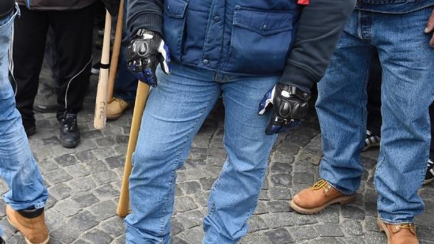 Malgré l'interdiction, des membres de Génération identitaire manifestent devant le Bataclan — Paris