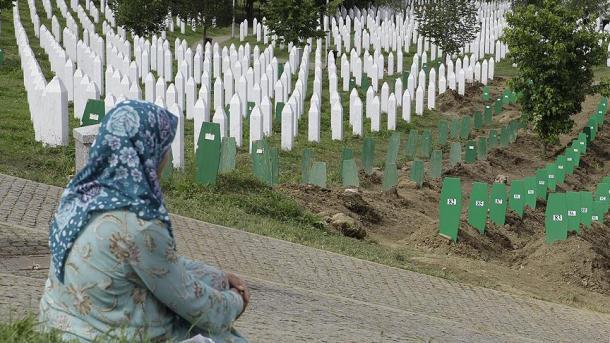 Koment - Roli i vendeve perëndimore në konfliktet e Ballkanit | TRT  Shqip