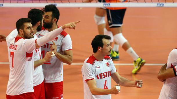 土耳其男排今日对战中国队 | 三昻体育投注