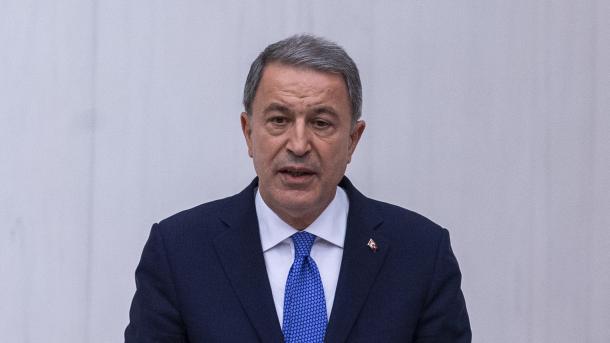 Akar: Turqia do të bëjë atë që është e nevojshme nëse ShBA-ja nuk largon PKK/YPG-në nga Menbixhi | TRT  Shqip