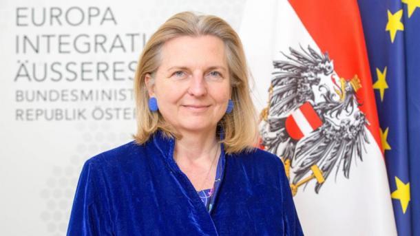 Kneissl: Një fillim i ri është i mundshëm në marrëdhëniet Turqi-Austri | TRT  Shqip
