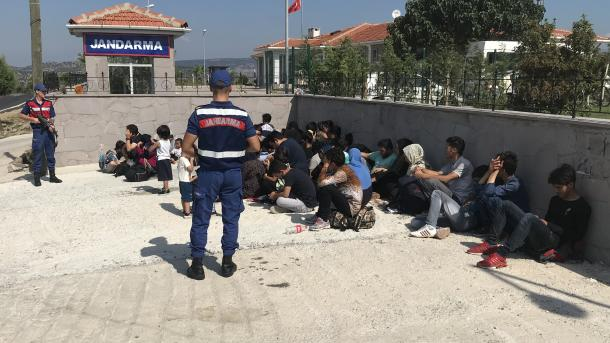 Turqi – Kapen 88 emigrantë klandestinë | TRT  Shqip