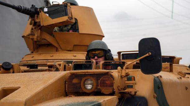 Эрдоган призвал США закончить поставки вооружения курдам вСирии
