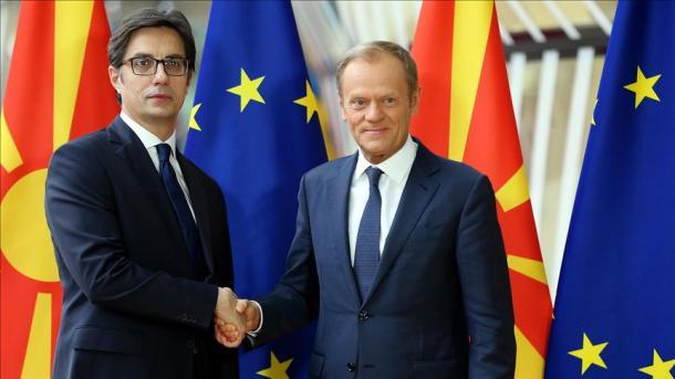 Tusk është për hapjen e negociatave me Shqipërinë dhe Maqedoninë e Veriut | TRT  Shqip