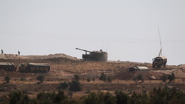 Турция стягивает кгранице сСирией военный транспорт имашины скорой помощи
