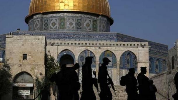Hebrenjtë fanatikë bastisin Kompleksin Al-Aksa | TRT  Shqip