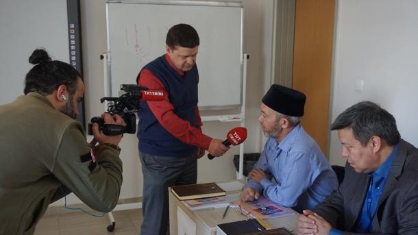 Törkiyädä tatar imamnarı | TRT  Tatarça