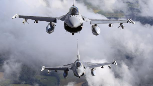 Resultado de imagen de Rusia y Turquía lanzan sus primeros bombardeos conjuntos en Siria