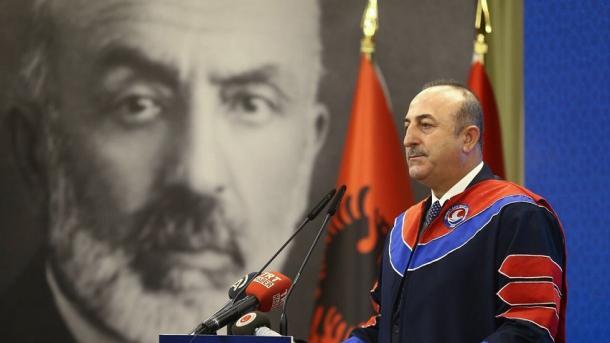 Çavusoglu: Turqia do të vazhdojë të jetë pranë shqiptarëve | TRT  Shqip