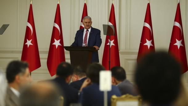 Yildirim: Turqia e angazhuar për zgjidhjen e krizës së Katarit me dialog dhe konsultime | TRT  Shqip
